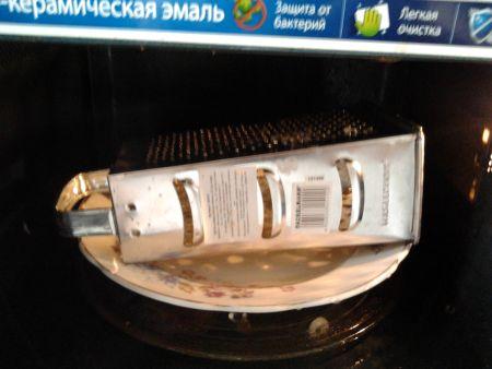 Грязная терка в микроволновке