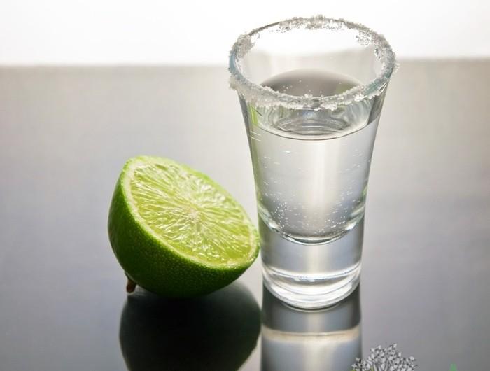 Как пить текилу?