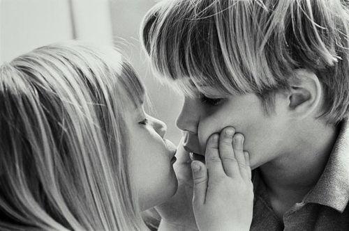 Как правильно целовать взасос