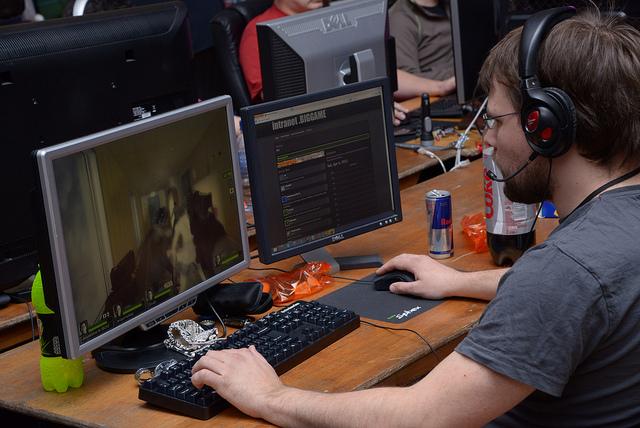 Почему отключается компьютер во время игры?