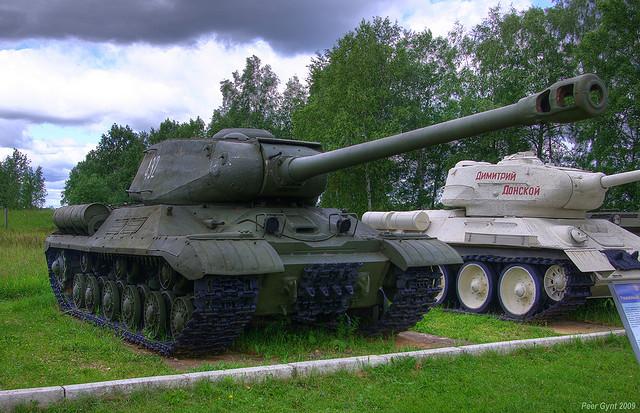 Чем оборудовать советский танк ИС?