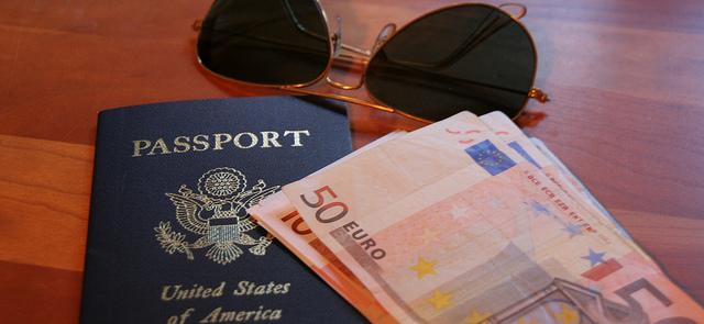 Какова стоимость загранпаспорта в 2015?