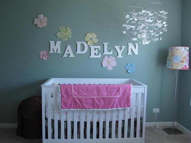 Какую кроватку купить для ребенка?