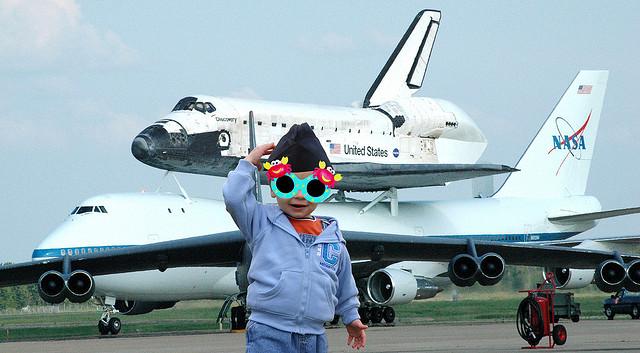Чем занять малыша в самолете?