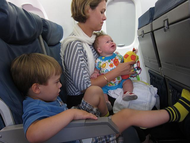 Сколько стоит билет на самолет для ребенка?