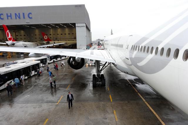 На что влияют аэропортовые сборы (таксы)?