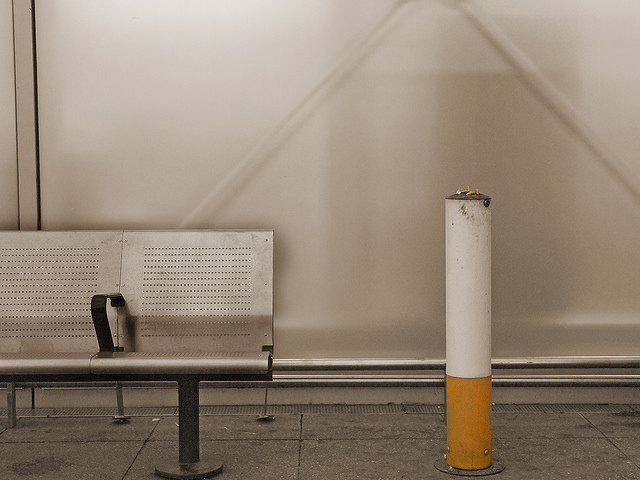 Место для курения в аэропорту