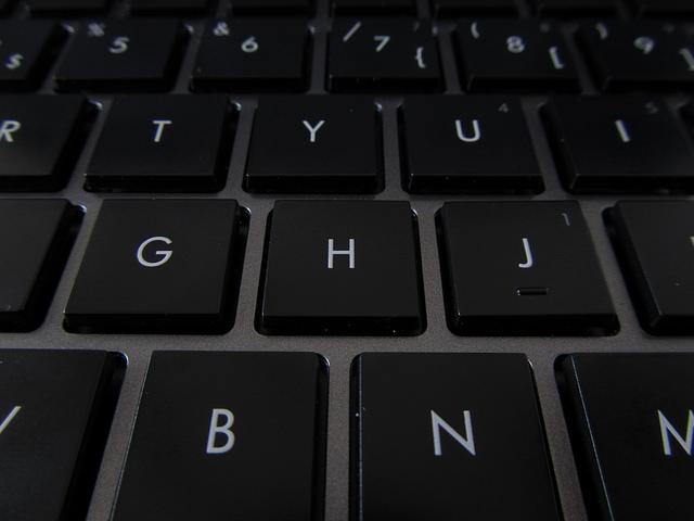 Цена самого дешевого ноутбука в 2016 году